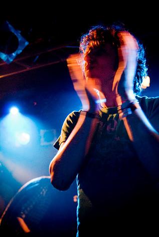 2007-04-19 - !!! spelar på Debaser Slussen, Stockholm