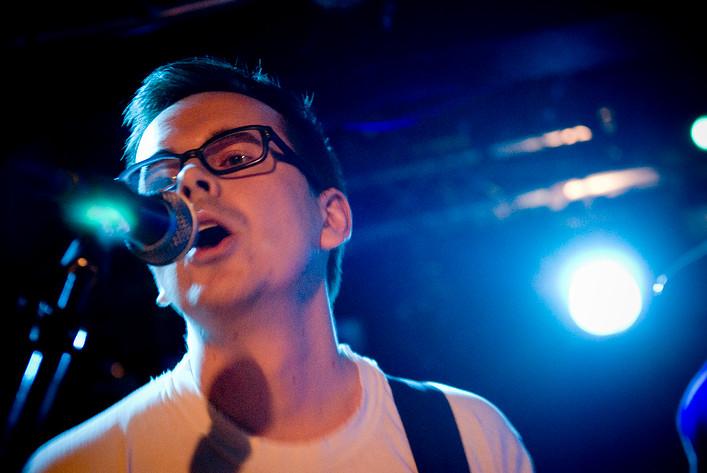 2007-11-17 - 22:22 performs at Debaser Slussen, Stockholm