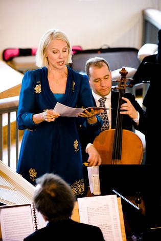2008-06-25 - Anne Sofie Von Otter spelar på Västra Karups kyrka, Båstad