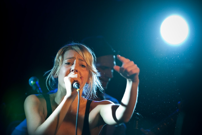2009-02-28 - Veronica Maggio spelar på O'Learys, Östersund