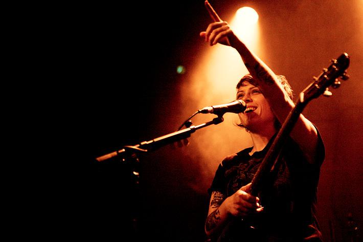2009-11-23 - Tegan & Sara spelar på Debaser Medis, Stockholm