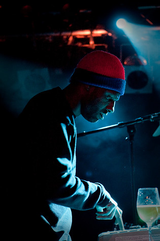 2009-11-25 - Anti Pop Consortium performs at Debaser Slussen, Stockholm