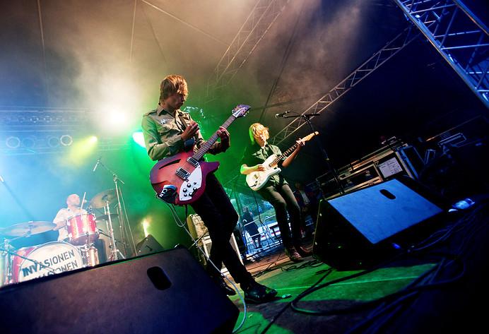 2010-07-30 - Invasionen performs at Putte i Parken, Karlskoga