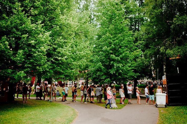 2011-07-01 - Områdesbilder performs at Peace & Love, Borlänge