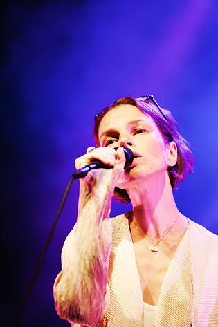 2011-07-01 - Anna Järvinen performs at Peace & Love, Borlänge