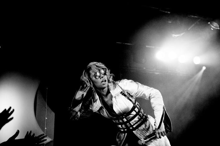 2011-10-03 - Keri Hilson spelar på Brew House, Göteborg