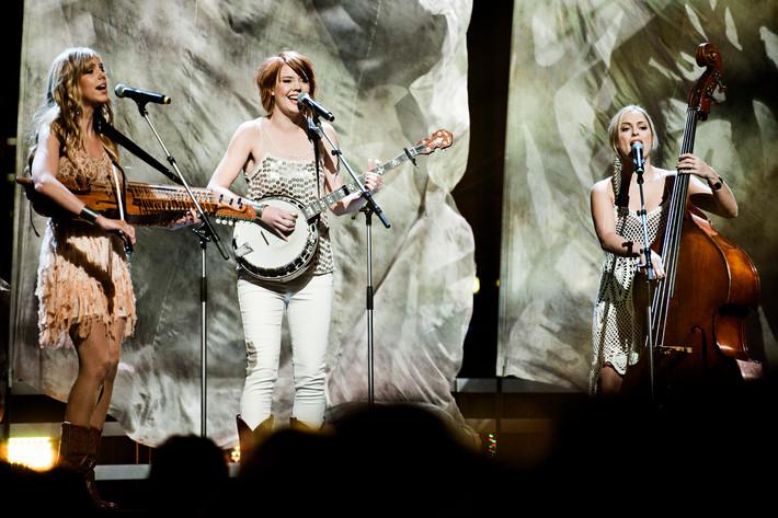 2012-02-04 - Abalone Dots performs at Vida Arena, Växjö