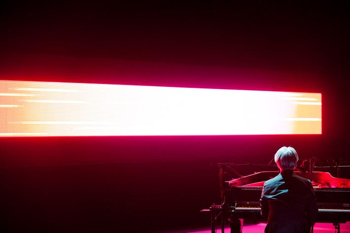 2012-10-05 - alva noto + Ryuichi Sakamoto spelar på Uppsala Konsert & Kongress, Uppsala