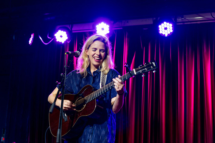2017-05-17 - Aoife O'Donovan spelar på Bar Brooklyn, Stockholm