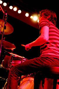 2004-09-10 - The (International) Noise Conspiracy spelar på Heartattack, Stockholm