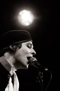 2006-05-25 - Henrik Berggren spelar på Popaganda, Stockholm