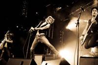 2009-08-01 - The (International) Noise Conspiracy spelar på Putte i Parken, Karlskoga