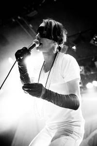 2011-03-23 - Bob Hund spelar på Trädgår'n, Göteborg