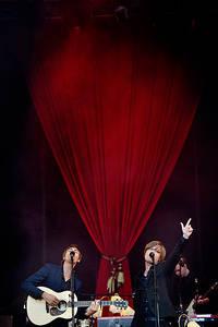 2011-07-02 - Mando Diao spelar på Peace & Love, Borlänge