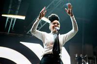 2011-07-03 - Janelle Monae spelar på Roskildefestivalen, Roskilde
