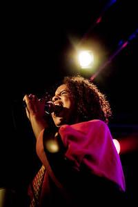 2011-09-07 - Neneh Cherry spelar på Debaser Hornstulls Strand, Stockholm