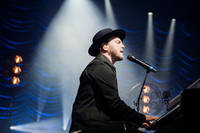 2017-04-19 - Gavin DeGraw performs at Annexet, Stockholm